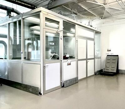 Tests according to ESD conditions and / or under clean room conditions
